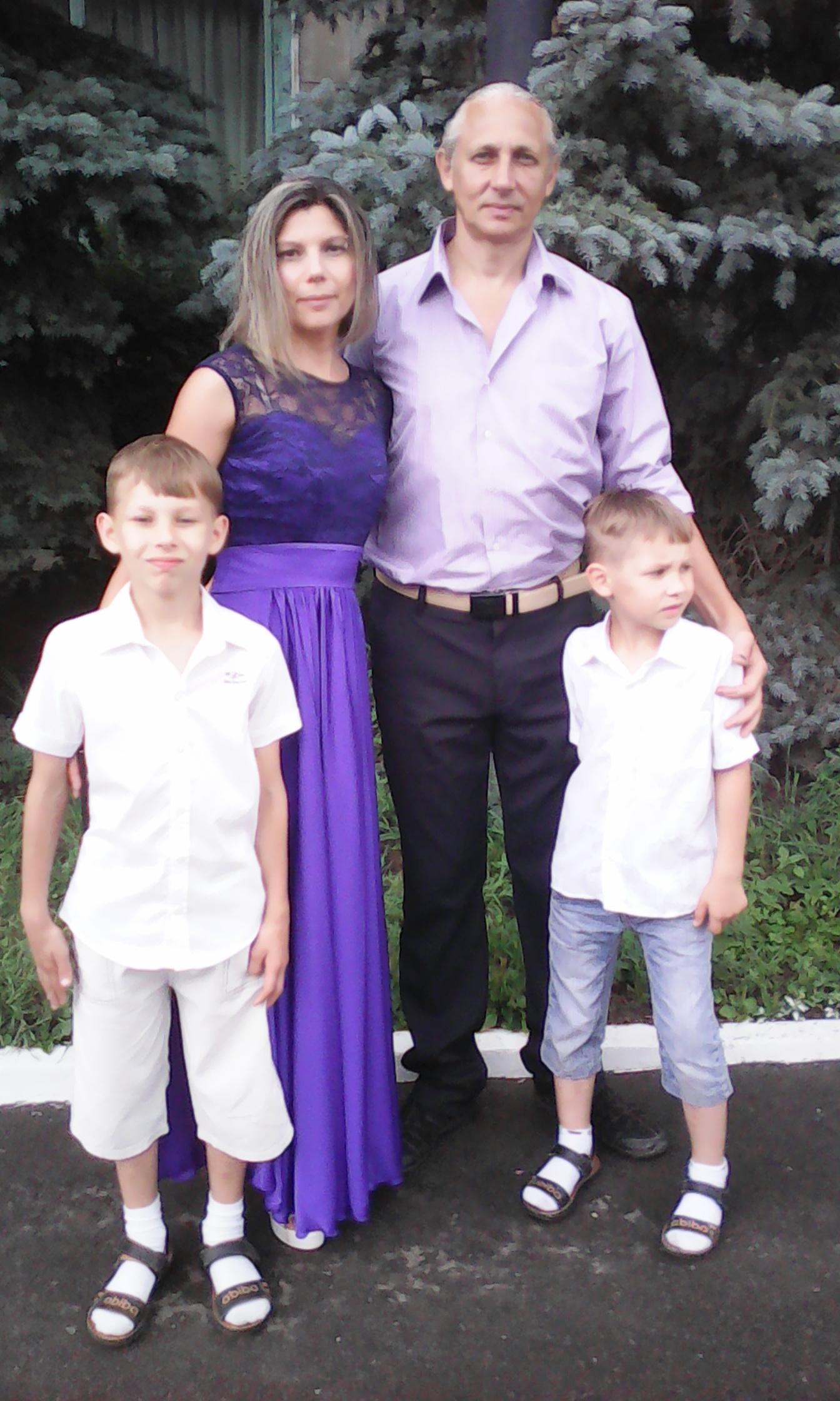 Балаковская семья делится секретами счастья. Знакомьтесь: Базаровы
