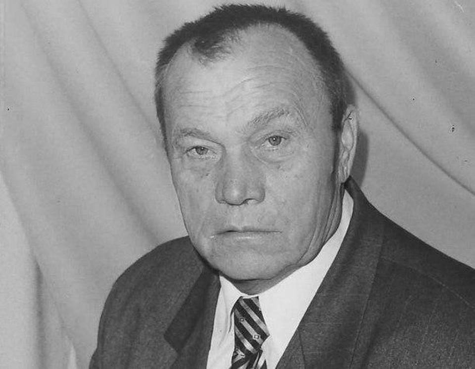 После длительной болезни на 82 году жизни от нас ушел замечательный человек, ветеран Труда РФ, Почетный гражданин города Балаково Калашников Анатолий Михайлович.